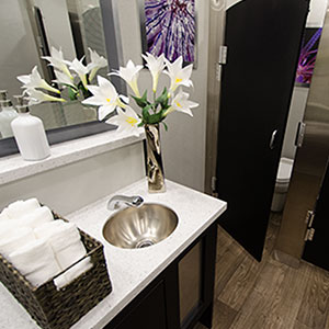 Mobile Restrooms Suites & Showers